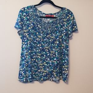 Elle Blouse with Flowered Neck Line